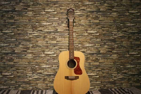 Cách phân biệt đàn Guitar Classic và Acoustic dễ dàng